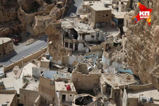 Исламисты-«оппозиционеры» разграбили весь город, не пропустив ни один храм, ни одну жилую хибару Фото: Александр КОЦ