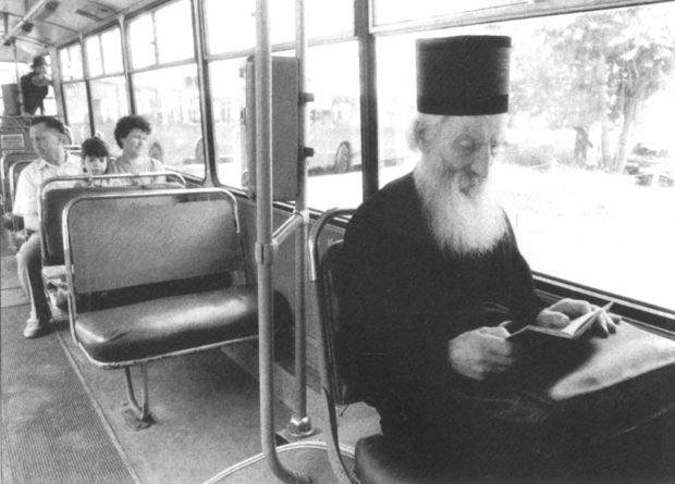 Патриарх Павел в троллейбусе